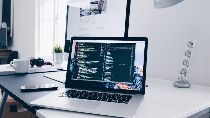 Como programar em COBOL no Windows e no Mac?